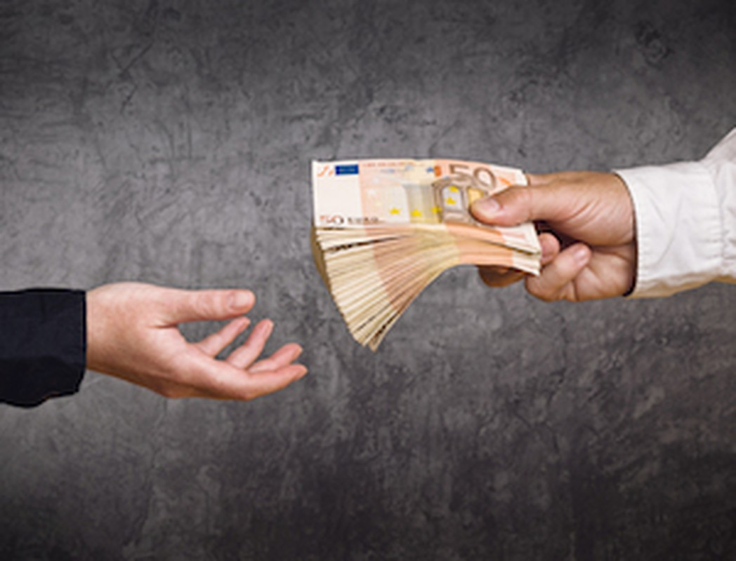 Werknemer neemt ontslag: werkgever moet loon doorbetalen (bron: mr. N. Weidema)