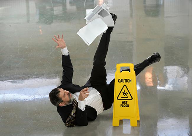 Supermarkt aansprakelijk voor schade uitgegleden werknemer? (bron: Wieringa Advocaten)