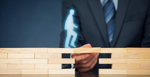 Overtreding concurrentiebeding kost werknemer €15.000,-